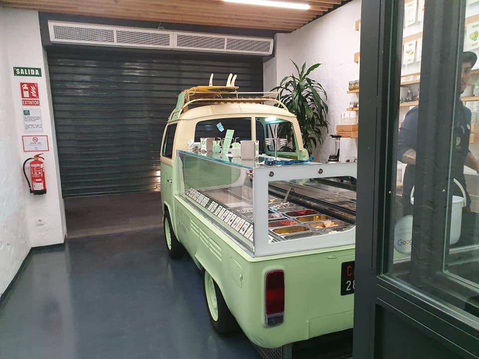 heladeria cadiz proyecto gb serveis helados en una furgoneta